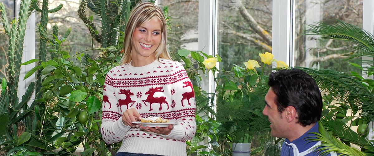Kaffee und Kuchen im Wintergarten des Hotel Aichner **** in Olang Südtirol
