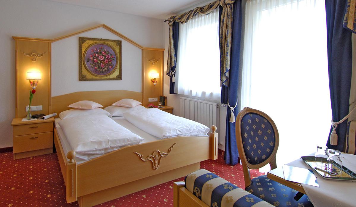 Doppelzimmer im Hotel Aichner **** in Olang am Kronplatz in Südtirol