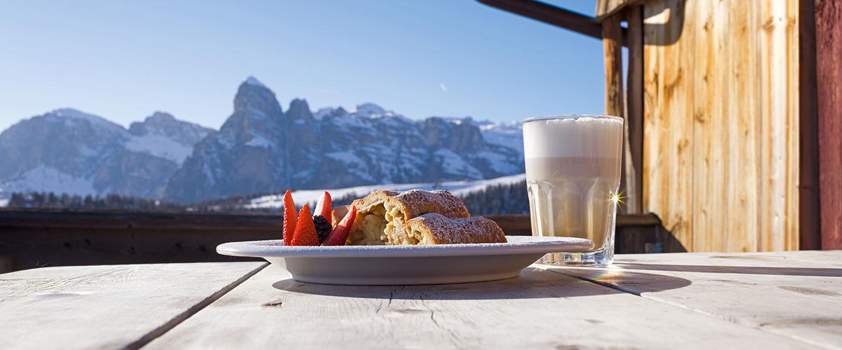 Hüttenschmaus am Kronplatz bei Olang Südtirol im Winter – Aktivitäten in Olang in Südtirol im Sommer und im Winter