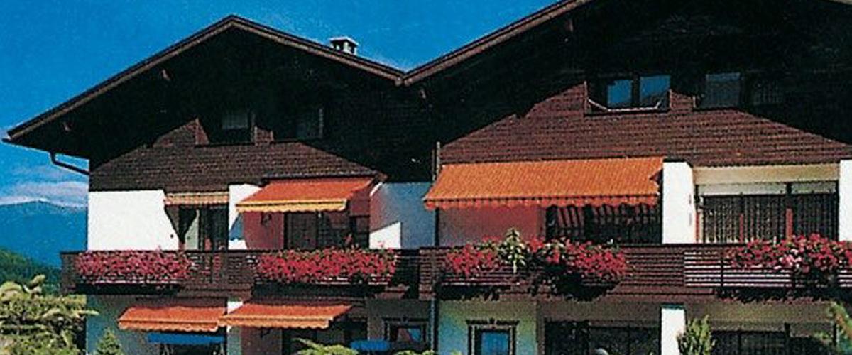 Aussenaufnahme der Residenz Aichner ** im Sommer