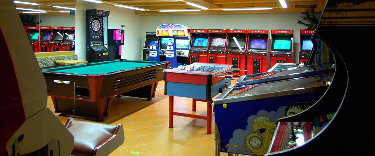 Computerspiele, Kicker, Flipper und Billard im Hotel Aichner **** in Olang Südtirol