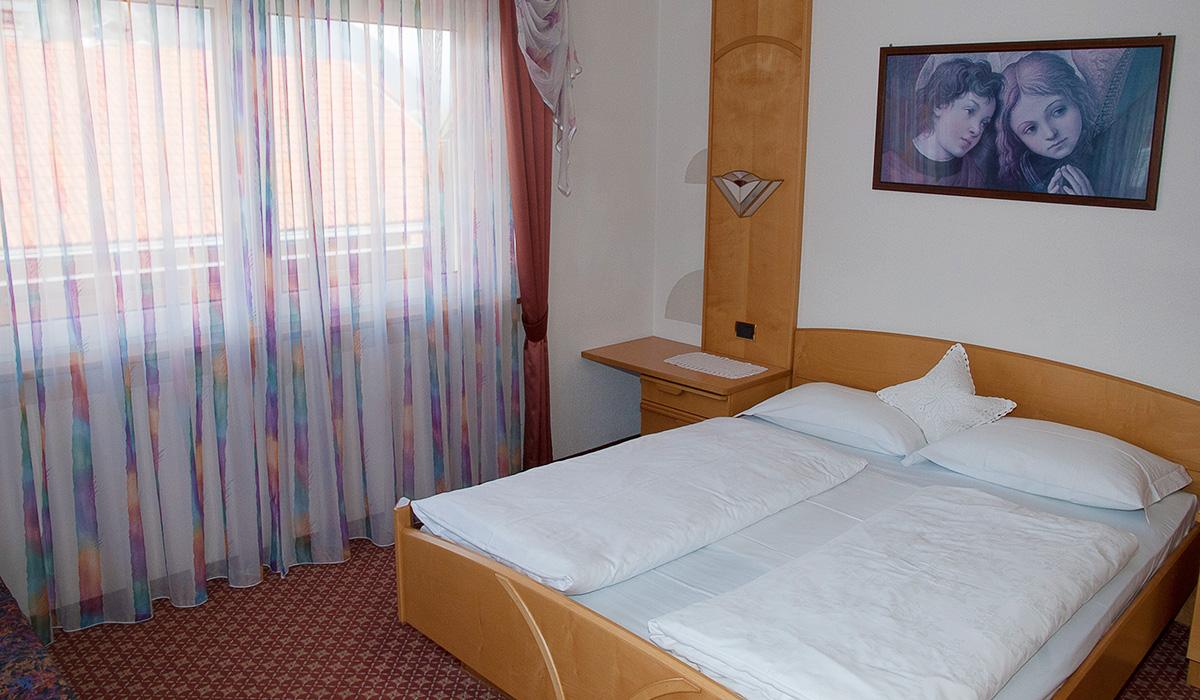 Basiszimmer im Hotel Aichner **** in Olang am Kronplatz in Südtirol